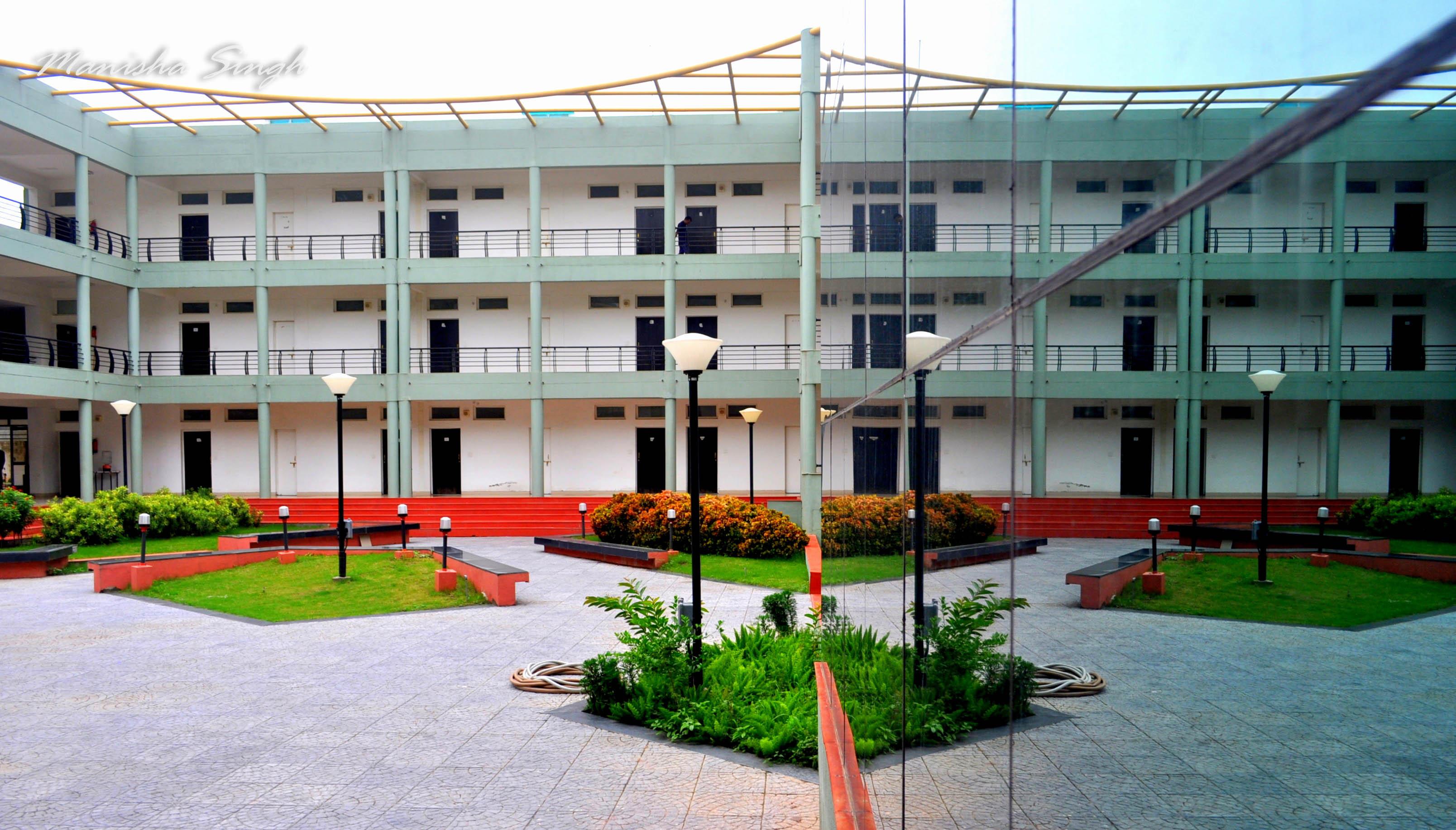 iimindore-residences-epgp